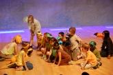 L'alumant de l'escola Pere Vila representant el conte 'El pastor i el llop'.
