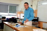 Un dels professors de l'Institut Sant Andreu parla de la seva experiència amb l'OlloBug.