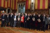 L'alcalde Trias amb els guardonats amb el Premi Ciutat de Barcelona 2013. Foto: Premsa de l'Ajuntament.