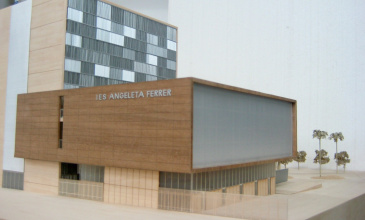 L'Institut Angeleta Ferrer, el primer centre creat per impulsar les vocacions científiques a Catalunya